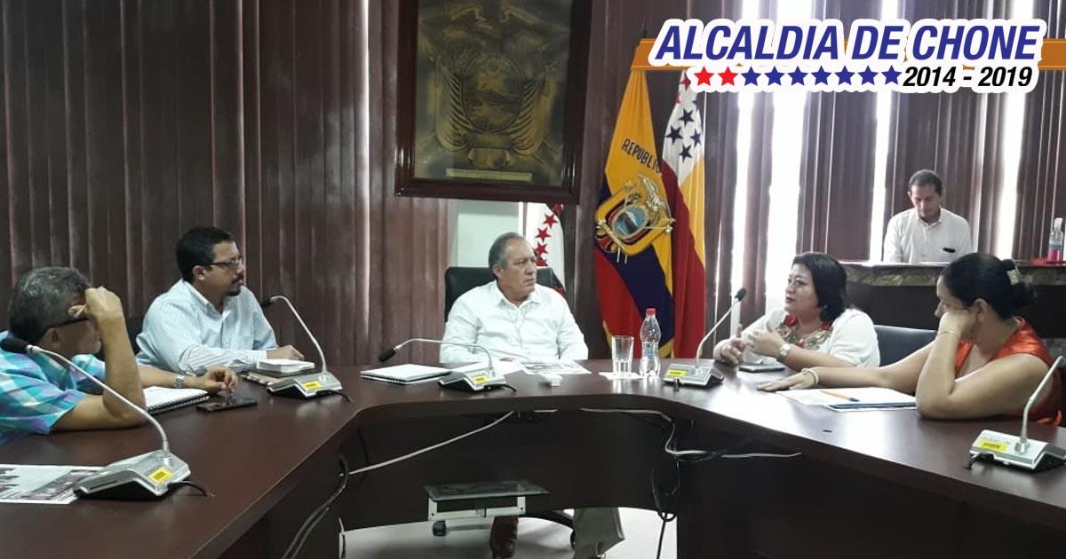 Alcalde atendió a dirigentes comunitarios