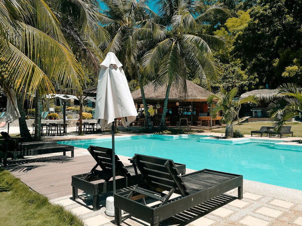 Cebu Club Fort Med Resort
