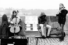 Strassenmusiker Prag Karlsbrücke / buskers prague charles bridge
