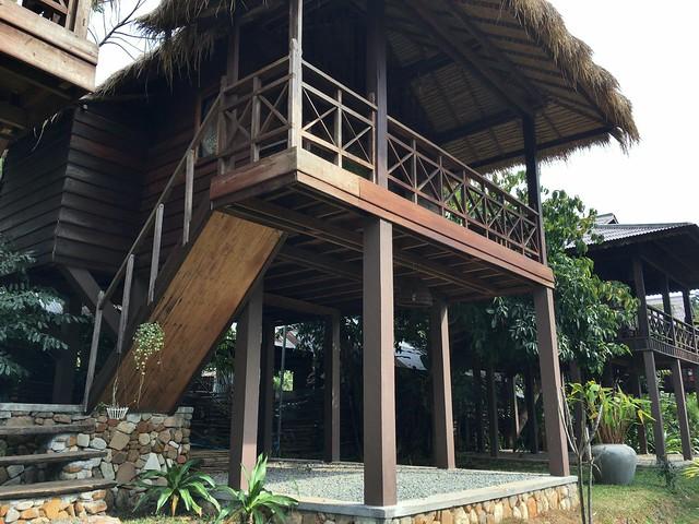 高床式のバンガロー