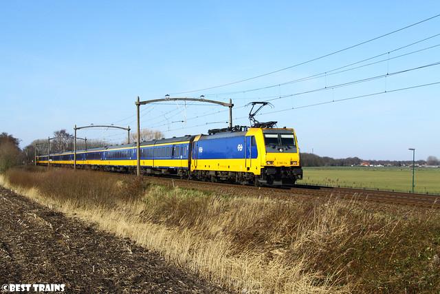 NS TRAXX 186 114 langs de Broekdijk in Hulten