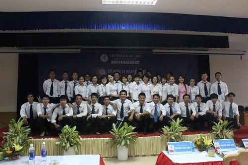 """Các thành viên Đông Tây trong""""Hành trình kết nối trên bãi biển Sầm Sơn"""""""