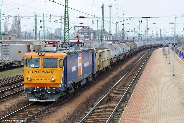 Train Hungary 400 115, Nikon D3S, AF Zoom-Nikkor 35-135mm f/3.5-4.5 N