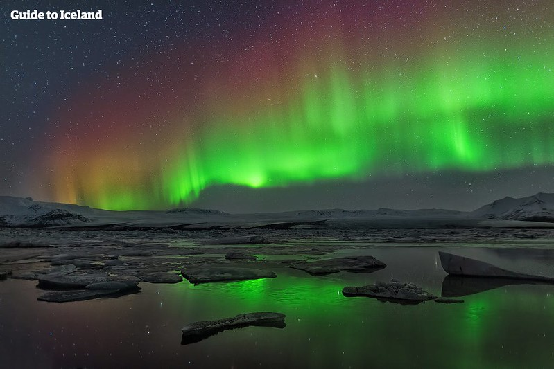 northern-lights-in-iceland-10