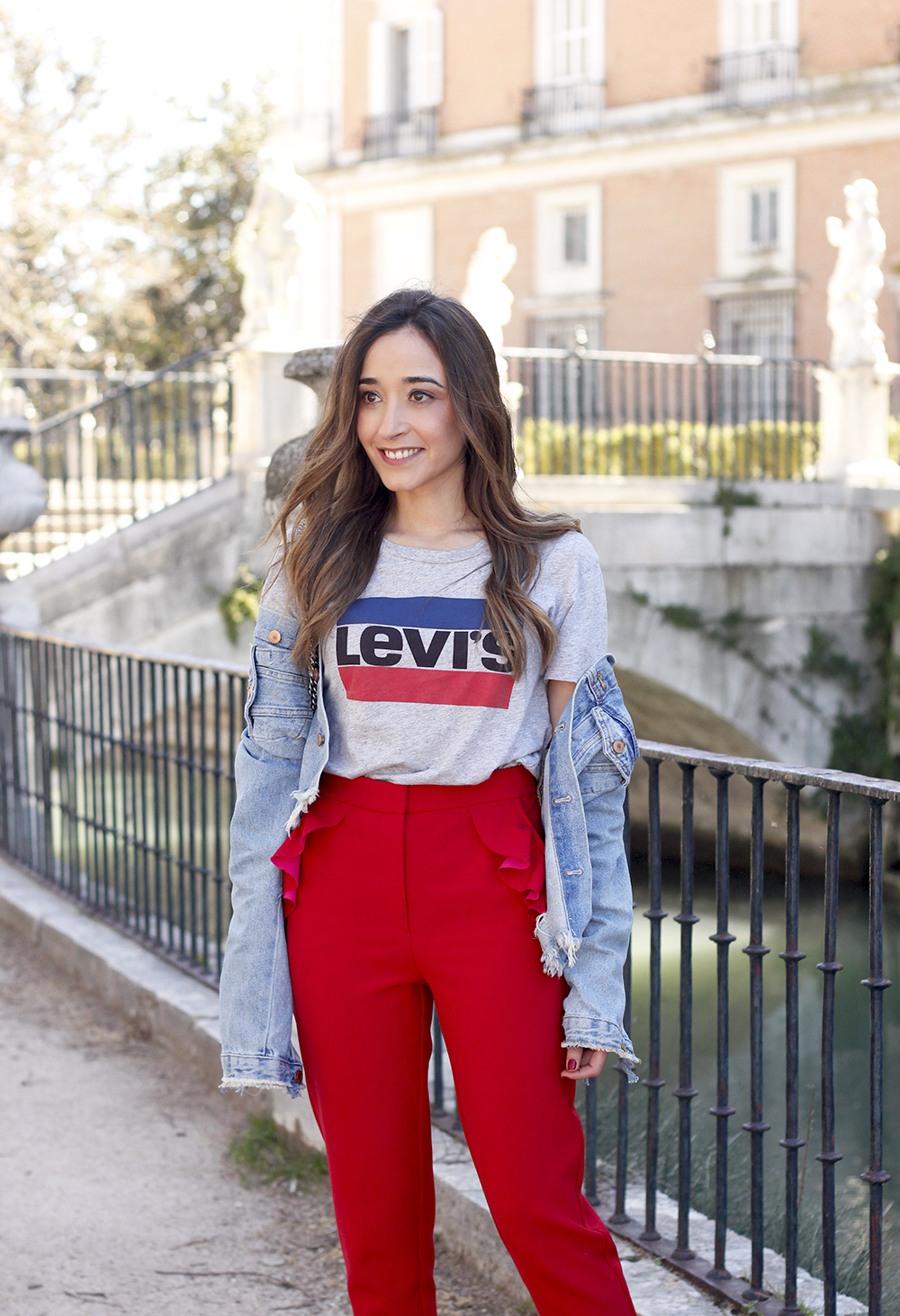 Red trousers levi's t-shirt gucci bag denim jacket red heels outfit spring14