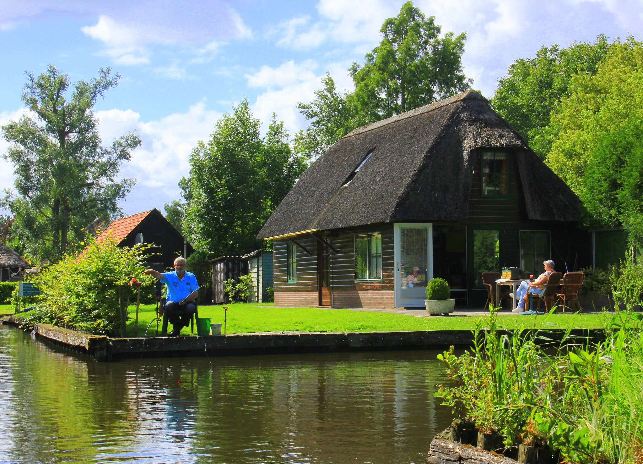 The houses of Giethoorn are built on small slivers of land