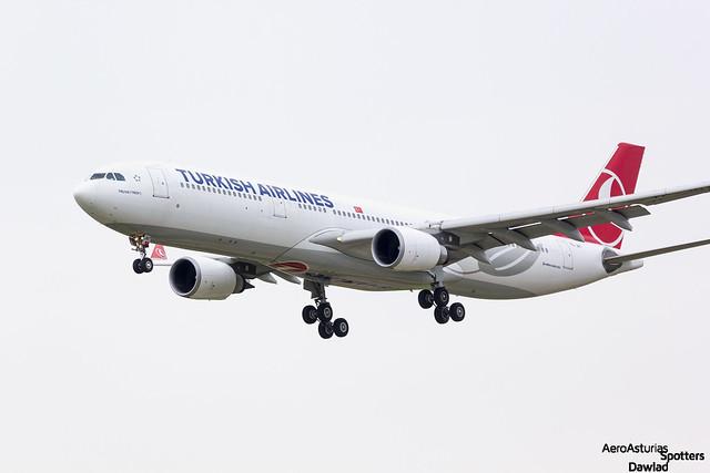 Photo:Aproximacion final TC-JNT Turkish Airlines By Dawlad Ast