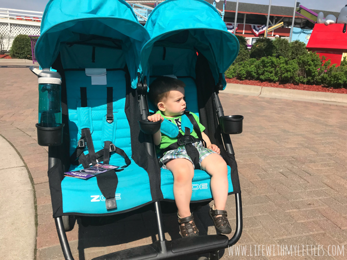 Going to Valleyfair with babies, toddlers, and preschoolers is so much fun and absolutely worth it! If you're planning a trip, check out these tips for going to Valleyfair with young kids!