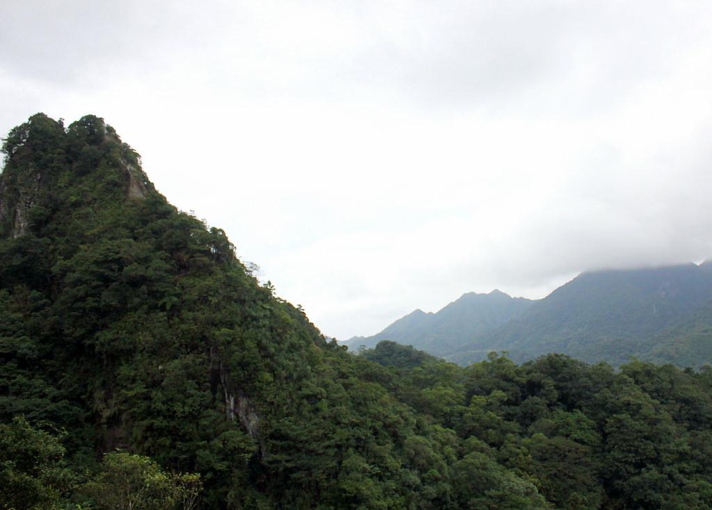 taiwan-pingxi-hike-alexisjetsets