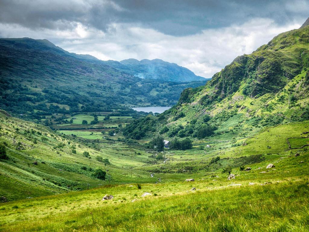 Pen-y-Gwryd pass, Snowdonia, Wales. Credit Bob Radlinski, flickr