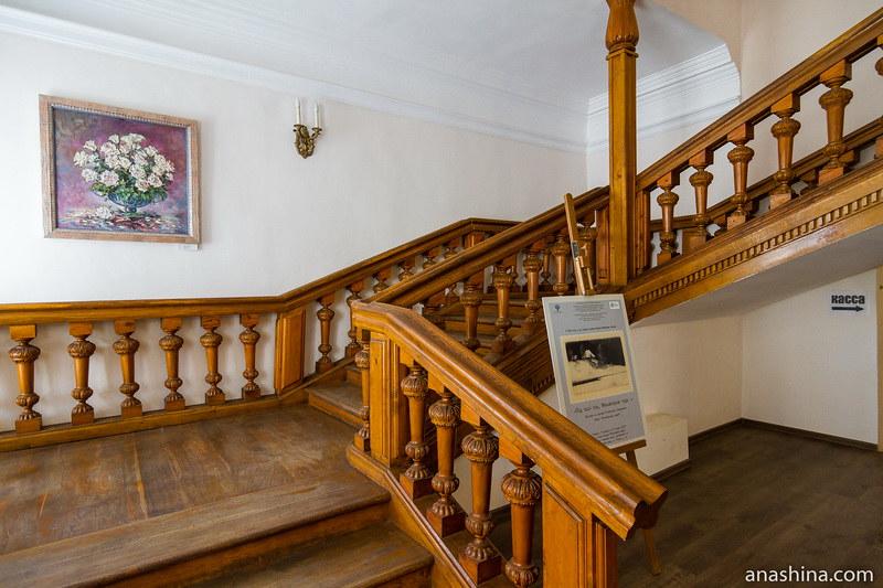 Парадная лестница, дом Гончаровых, Полотняный Завод