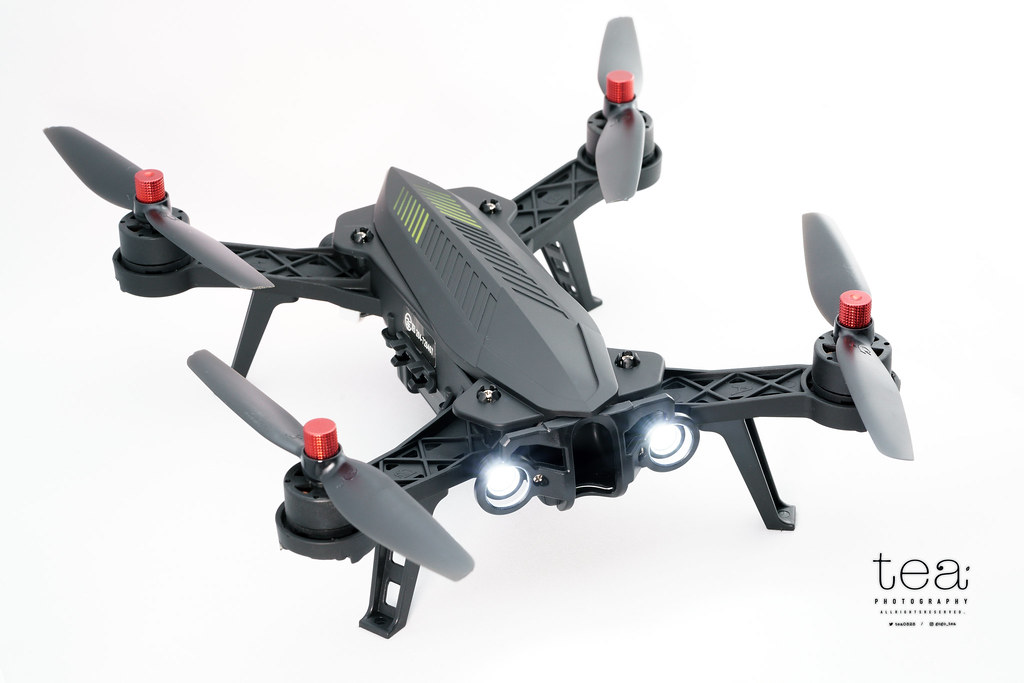 Bugs6は安価でありながら疾走感を楽しめるレーシングドローン