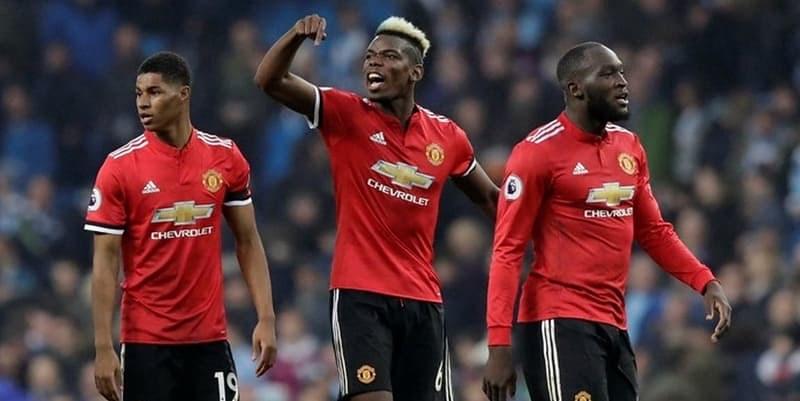 Manchester United Harus Mempertahankan 3 Pemain Bintang ini