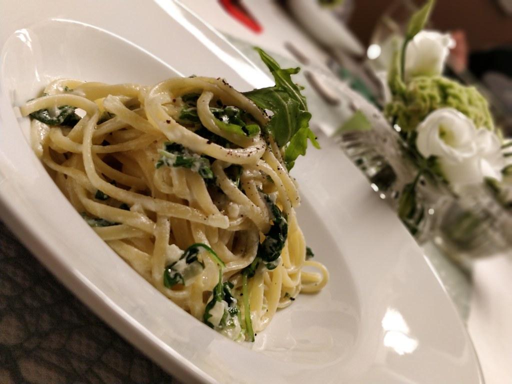 Gorgonzola-Linguine mit Rucola