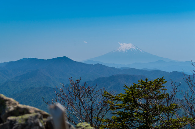 大菩薩嶺と富士山@西御殿岩