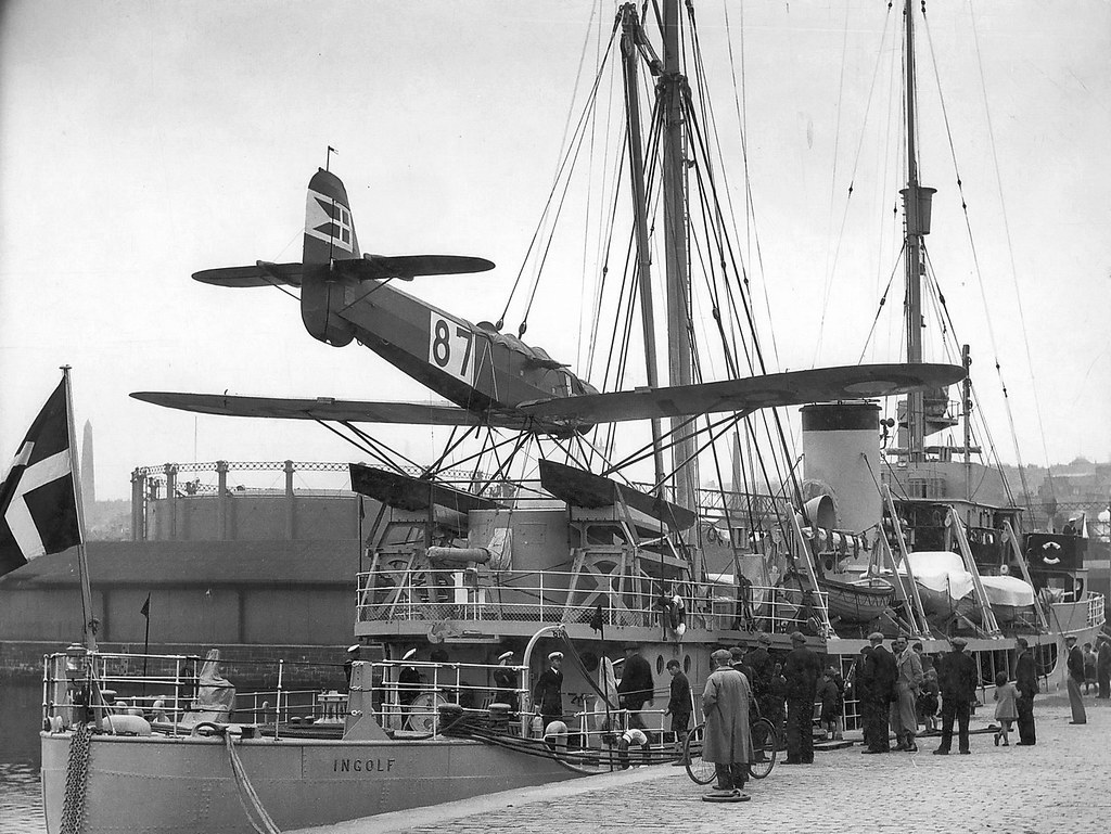 INGOLF in Dundee on its way to Greenland on 15 June 1938