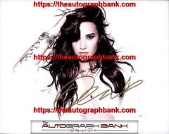 Demi Lovato authentic signed memorabilia | https://ift.tt/2kYhiwh