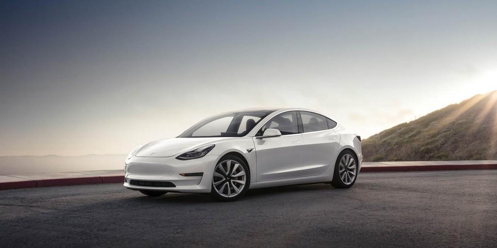 Tesla arrête temporairement la production du modèle 3