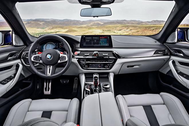 [新聞照片三] 全新BMW M5千錘百鍊的車室設計完美融合熱血氛圍與豪華質感