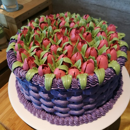 Celebrate Mother's Day 2018 at Misto & Seda Abreeza Hotel - tulip butterceam cake IMG_20180503_121358