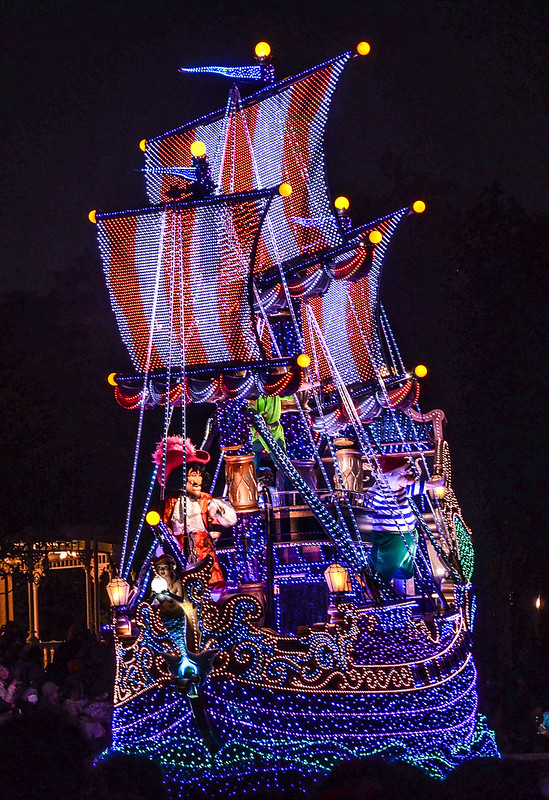 Pirate ship dreamlights TDL