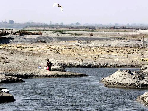 यमुना के सूखने से बढ़ता जल संकट