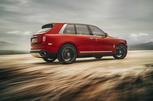 Rolls-Royce_Cullinan_Magma_Red_ 003