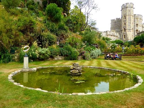 Windsor Castle Gardens. Lumix  DMC-TZ70. P1000643.