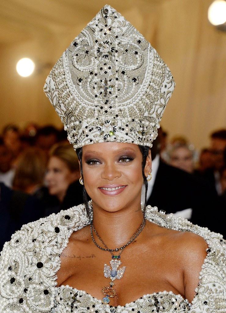 HAWTCELEBS - Rihanna (2)