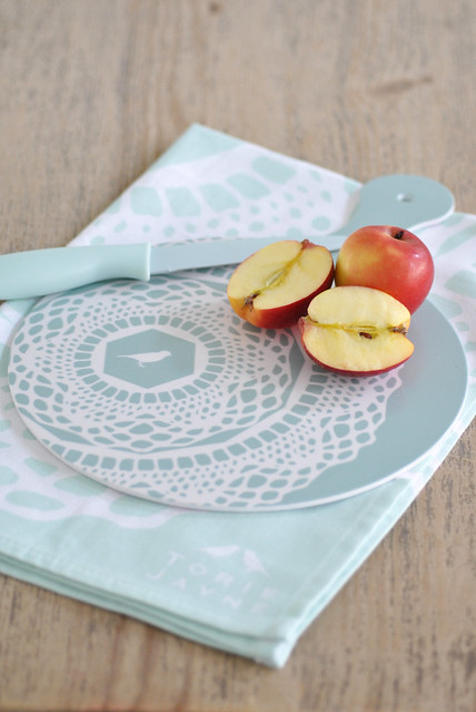 Blue Haze 'Maisy' chopping board