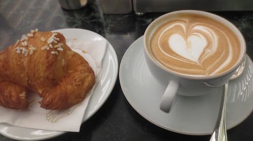 marchesi_croissant_cappuccino