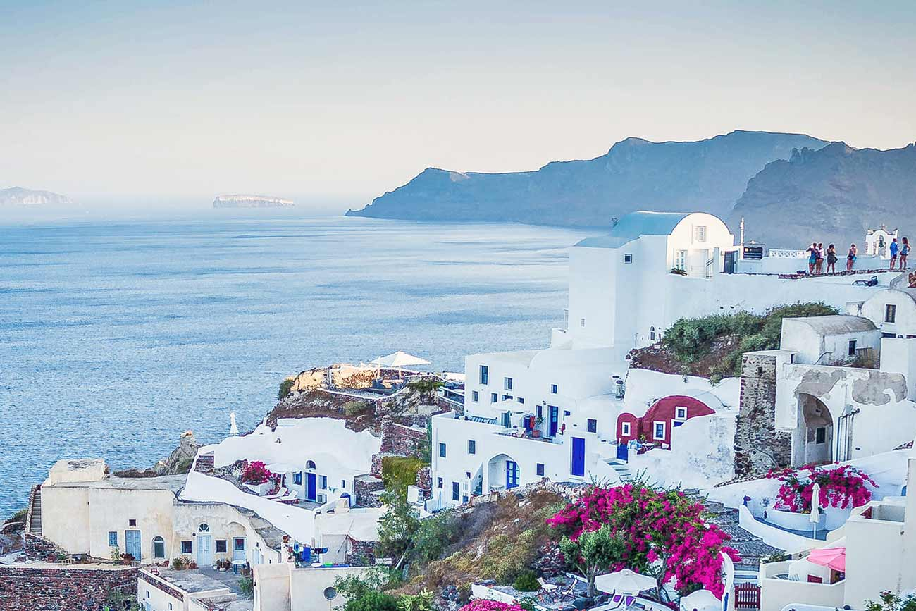 Santorini travel guide for first-time visitors - Best Places to Visit in Europe - planningforeurope.com (3)