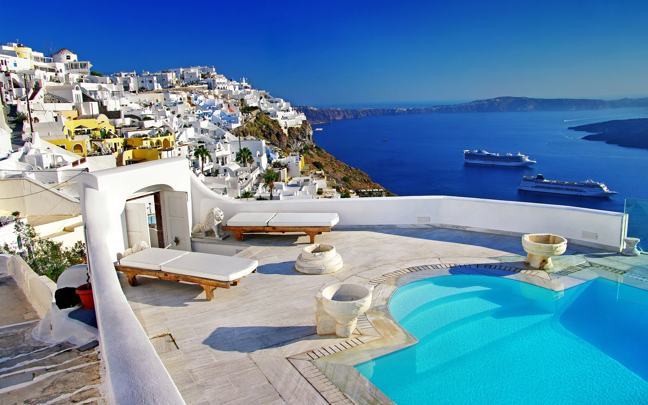 Santorini travel guide for first-time visitors - Best Places to Visit in Europe - planningforeurope.com (2)