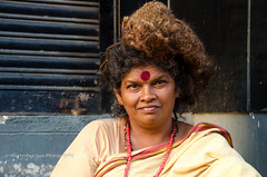Woman devotee at Sree Parthasarathy Temple, Triplicane, Chennai