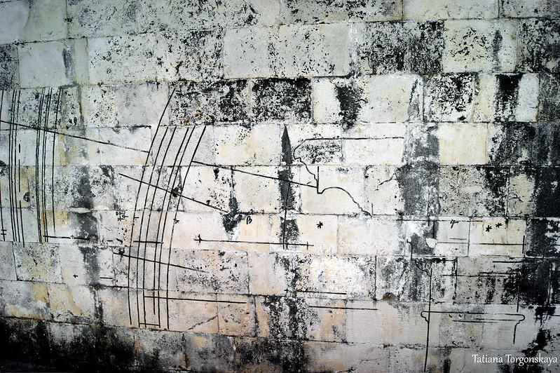 Чертеж на одной на стен церкви Рождества Богородицы