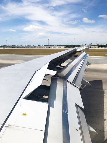 American Airlines –  Airbus A321-231 N542UW @ Orlando International