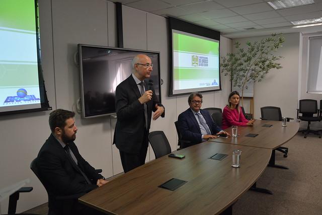 Advogados da Rede Ebserh se reúnem para discutir atuação jurídica da instituição