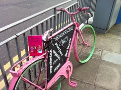 Thu, 04/19/2018 - 15:54 - I thought I'd have a wee shot of Henderson's of Edinburgh's bicycle. I like the colours. Very nice! @HendersonsofEdi #Edinburgh #Scotland