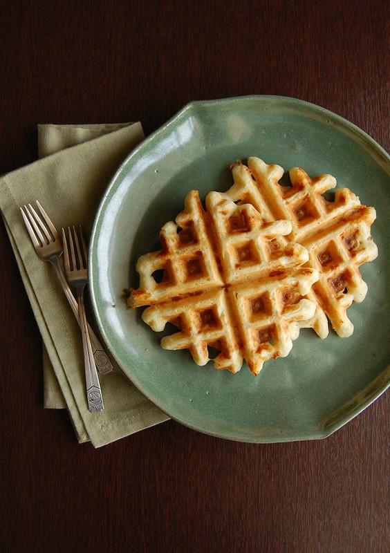 Waffles de queijo e quinoa