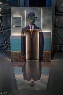 Hombre manzana Magritte