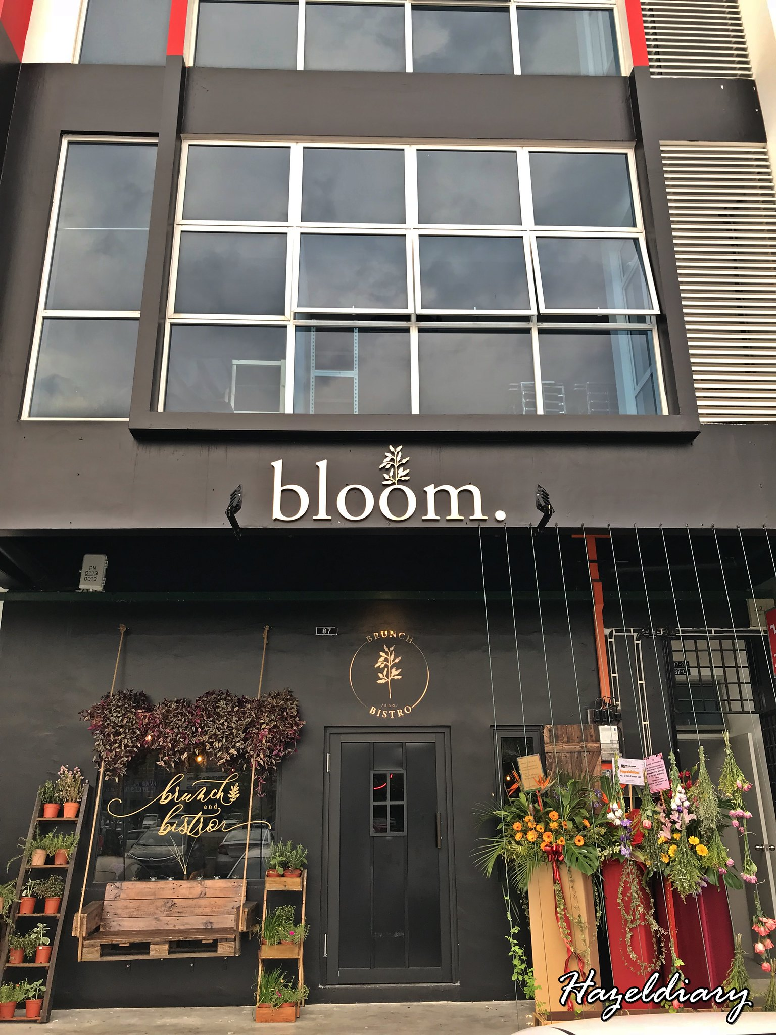 Bloom By Mokmok-JB