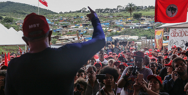 Lula speaking to MST activists at a camp in the state of Minas Gerais in 2017 - Créditos: Ricardo Stuckert