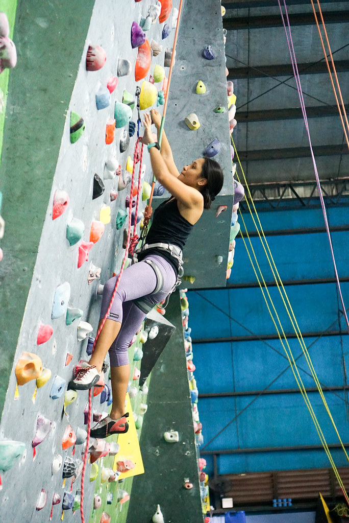 Lead climbing at Power Up Centrol Atletico