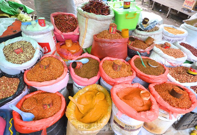 myanmar itinerary spices local market inle lake