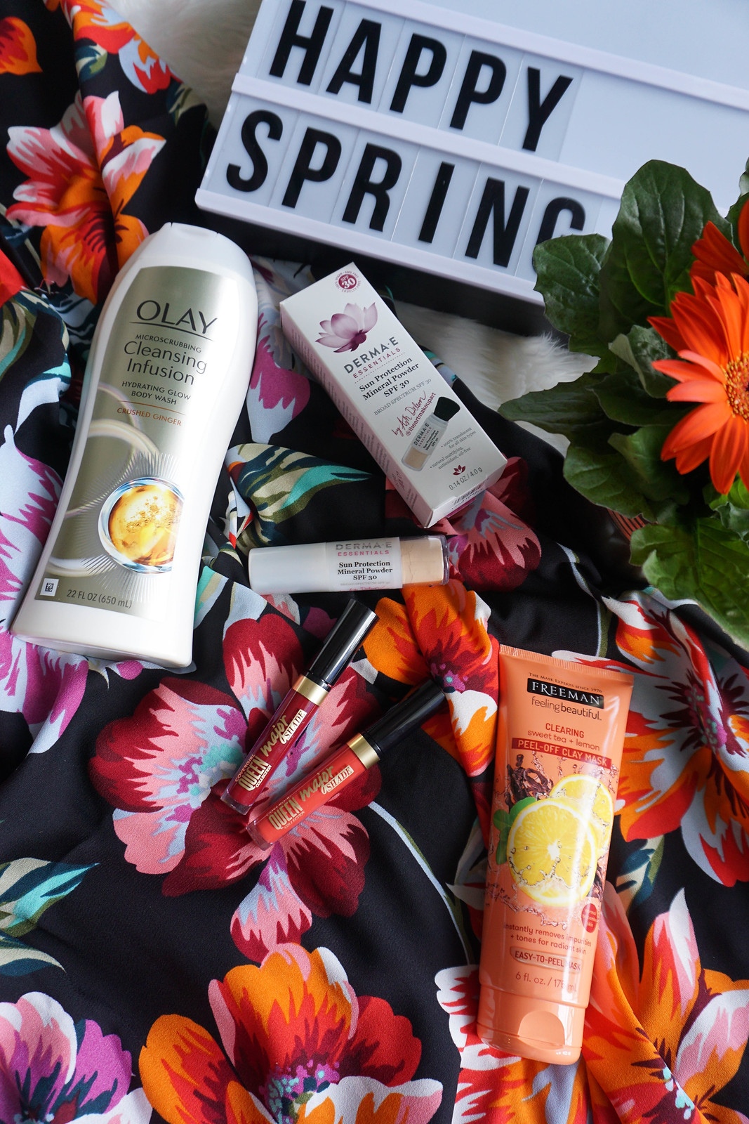 Beauty-Makeup-Skincare-Products-You-Should-Try-This-Spring-Flat-Lay-Living-After-Midnite-Beauty-Blogger