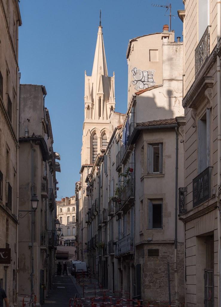 Montpellier : ville d'ombre et de lumière... 26789762257_8eb25948ba_b