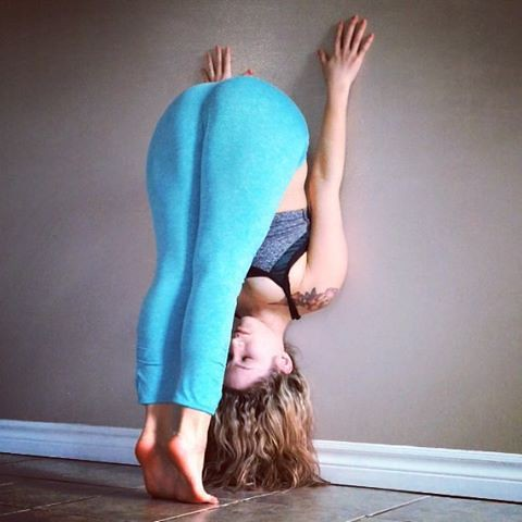 Best Fitness Motivation : Pin for Later: Forget the Mat! Try These Wall Yoga Poses