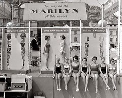 Marilyn Monroe look-a-like competition in Hastings, UK, 1958.