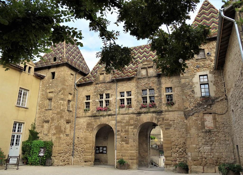 [o] Saint Antoine l'Abbaye