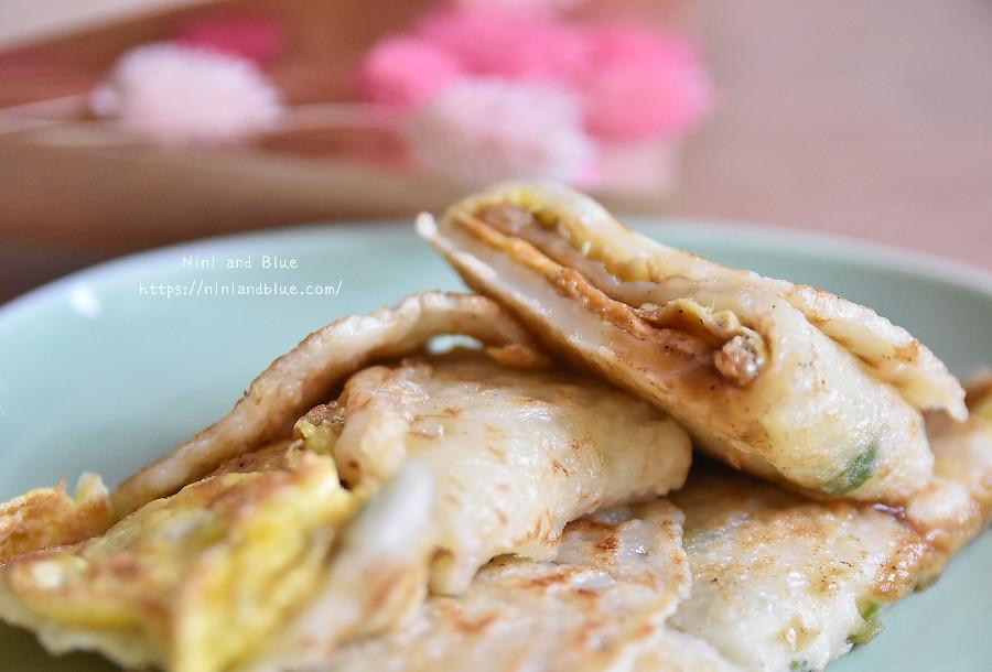 41821803361 6e7321ec17 b - 文華高中對面的傳統蛋餅早餐│食量大的人可以選招牌蛋餅